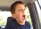 Kiddie ist high nach Zahnarztbesuch
