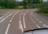 Sinnlose Straßenmarkierungen