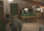 Wohnzimmerorgel aus 101 Glasflaschen