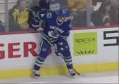 Fail beim Eishockey Bodycheck