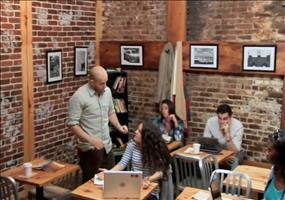 Streich: Telekinese im Café