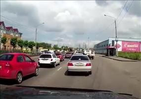 Deeskalation eines Streits auf Russlands Straßen