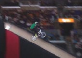 Double Front Flip mit BMX Bike