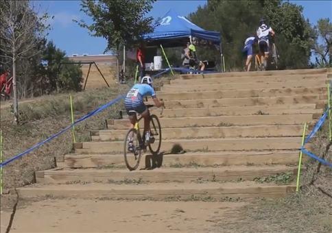 Mit dem Fahrrad die Treppe hoch