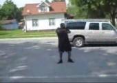 Auf der Straße tanzen
