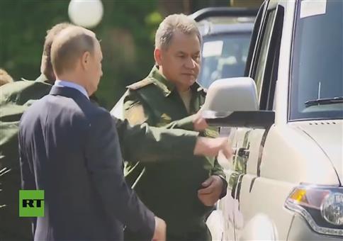 Putins neue Militärfahrzeuge