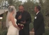 Selbst ein Sandsturm kann diese Hochzeit nicht beenden