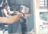 Wenn ein LKW vorm deinem Bürofenster anhält
