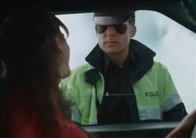 So muss Frau in einer Verkehrskontrolle reagieren