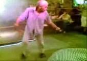 Wenn Opa besser tanzt als die jungen Kerle