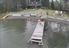 Mit der Drohne über den See fliegen und auf einmal...