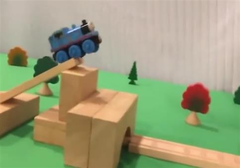 Thomas, die kleine Lokomotive Stunts