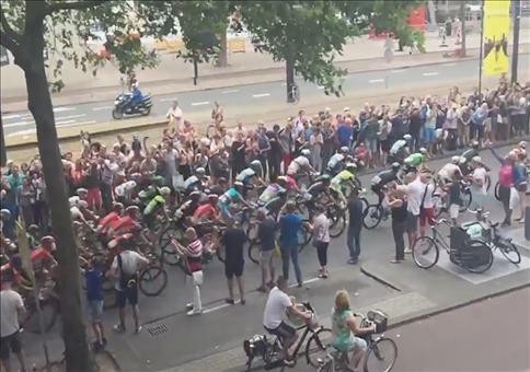Richtig krasser Crash bei der Tour de France