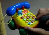 Fluchendes Spielzeugtelefon