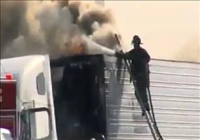 Feuerwehrmann hat schwer zu tun