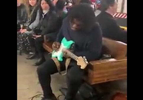 Straßenmusiker: This is a man's man's world