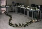 Domino mit Bierflaschen