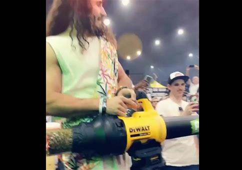 Jesus und seine Weedkanone