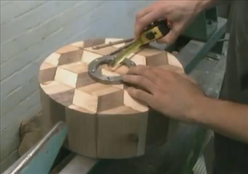 Holzschüssel in Handarbeit