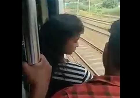 Etwas zu weit aus dem Zug gelehnt