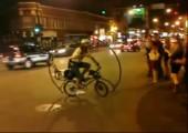 Vorwärts-Flip auf einem Fahrrad