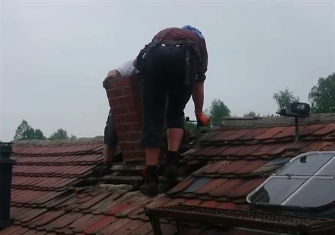 Schornstein vom Dach holen