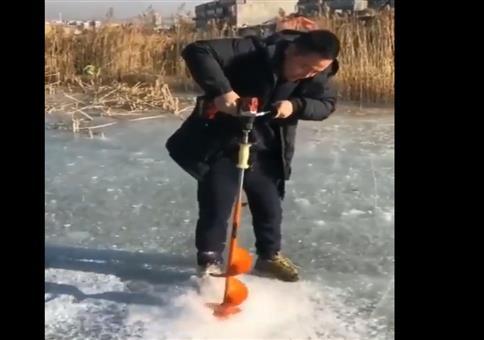 Ein Eisbohrer made in China