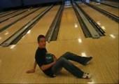 Breakdance Bowling