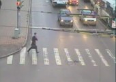 Bei rot über die Straßen laufen