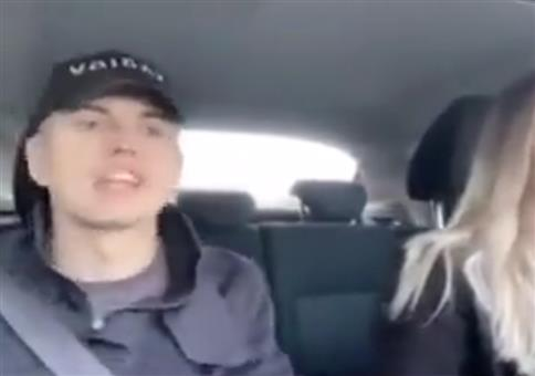 Hardcore-Rave im Auto