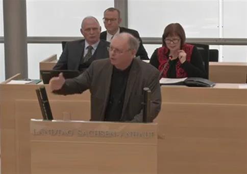 AfD blamiert sich im Landtag von Sachsen-Anhalt