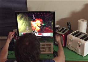 Doom mit 3 Toastern spielen