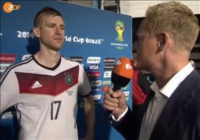 Per Mertesacker im Interview nach dem Spiel gegen Algerien