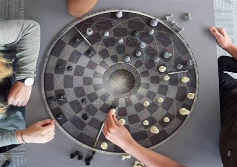 Wenn euch normales Schach nicht anspruchsvoll genug ist