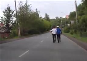 Oleg und sein Kumpel - Ein ganz normaler Tag in Russland