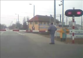 Sehr gefährlicher Bahnübergang