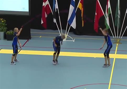 3 Schwedinnen beim Seilspringen