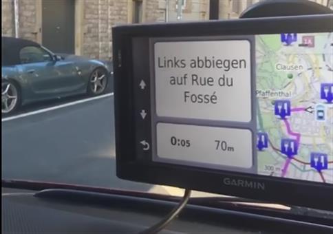 Links abbiegen auf Rue du Fossé