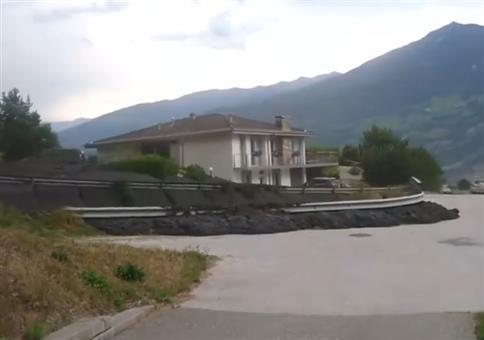 Schlammlawine rollt in Schweizer Dorf