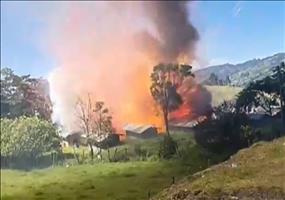 Hier explodiert eine Feuerwerksfabrik