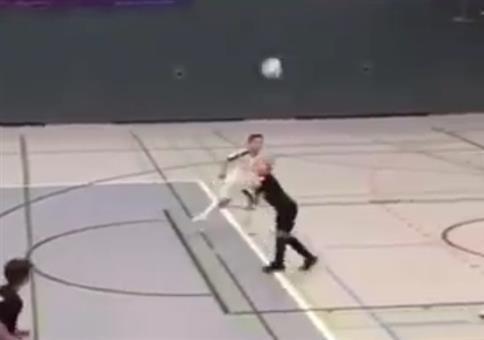 Kleiner Fußball Nachwuchs-Star