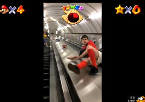 Rolltreppe in der Ubahn runter rutschen - Marios Secret Slide