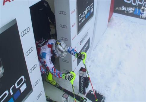 Schöner Fehlstart beim Ski-Slalom