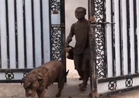 Hunde und Herrchen leicht dreckig
