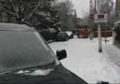 Schneepflug naht zu Hilfe!