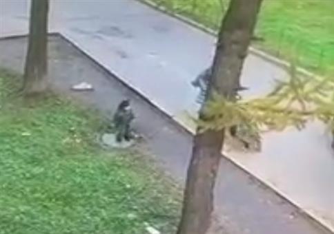 Mit dem Kind spazieren