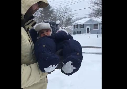 Baby im Schnee entsorgen