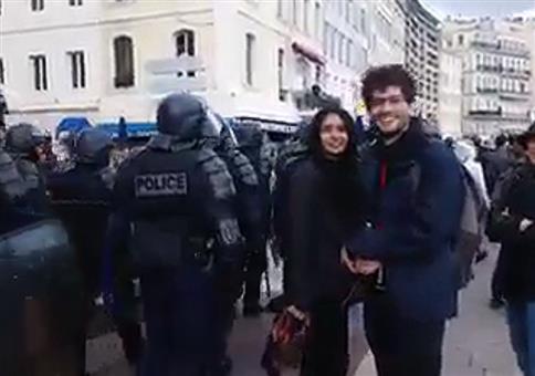 Musikalische Untermalung bei Polizeiaufmarsch