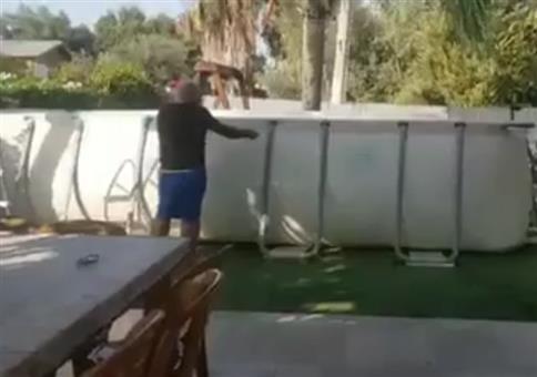 Vollhonk schneidet Pool auf