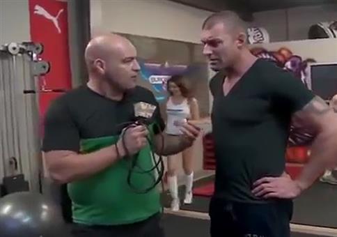 Kleiner Fail im Hintergrund während des Interviews